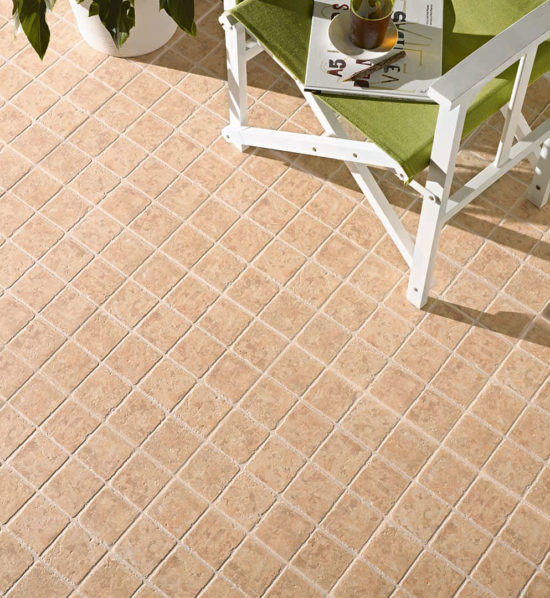 Agueda Mel – Carrelage imitation travertin 33x33 cm. Traditionnel et Lumineux