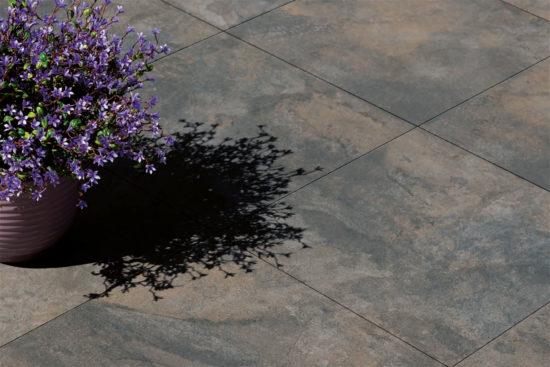 Silex Grafito – Carrelage imitation pierre naturelle reprenant l'aspect de l'ardoise dans des tons doux