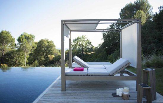 Skaal - Lit d'extérieur en teck Durateck et toile Batyline : majestueux, design, confortable et sans entretien
