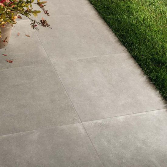 Limewalk Grey Out - La beauté de la pierre naturelle grise et la résistance du grès cérame