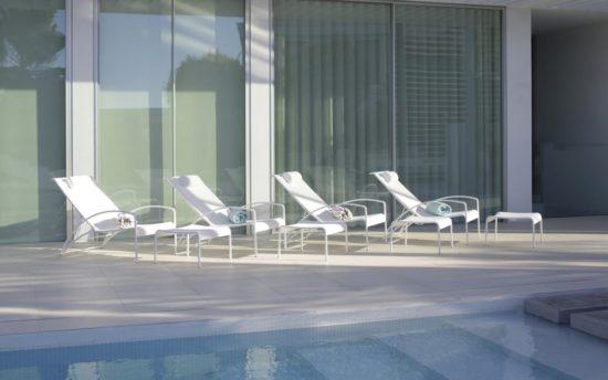 QT - Relax chair pour extérieur en aluminium et Batyline (différentes couleurs disponibles)
