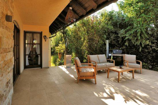 Trust Gold - Une belle imitation pierre naturelle pour une terrasse authentique et chaleureuse