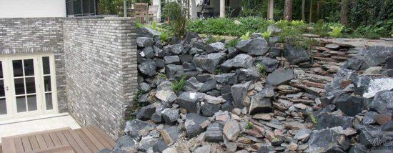 Ardennes grises roches Calcaire - Intemporelle et très populaire roche des Ardennes Belges. Disponible de 6 à 30 cm.