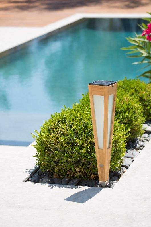 Tecka - Torche solaire en teck en éclairage intensif ou détecteur de mouvement
