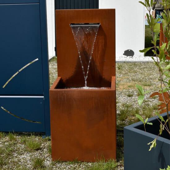Fontaine de jardin en acier corten