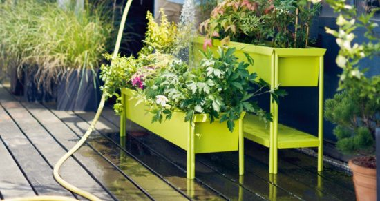 Terrazza - Jardinière moderne et ludique disponible en différentes tailles et en 23 couleurs