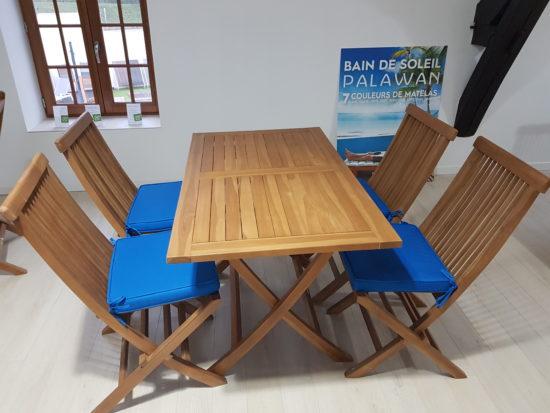 Table pliante Kensaï et 4 chaises Java en teck massif 482 € TTC au lieu de 603 € TTC